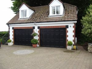 Annexe-double garage- click for photo gallery